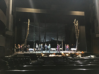 「狂える焔」〜第3幕舞台より